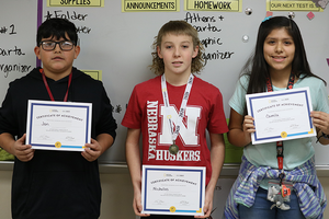 Buzzers Ready: CMS students participate in GeoBee
